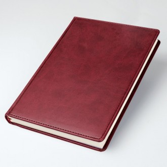 Brandhide A5 Desk Diary Baron Page a Day Cream Paper